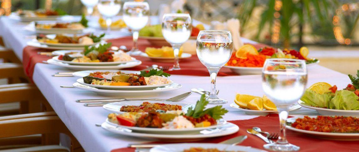 Food Arrangements And Displays To Help You Brighten Up Intimate Wedding